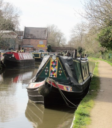 Narrow boats at Kate's.jpg
